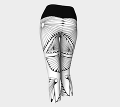 Lovescapes Yoga Capris (Dream Weavers B&W 01)