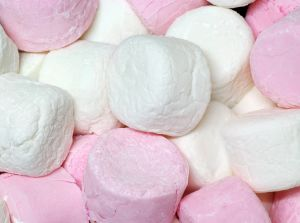 798242_pink_and_white_marshmallows