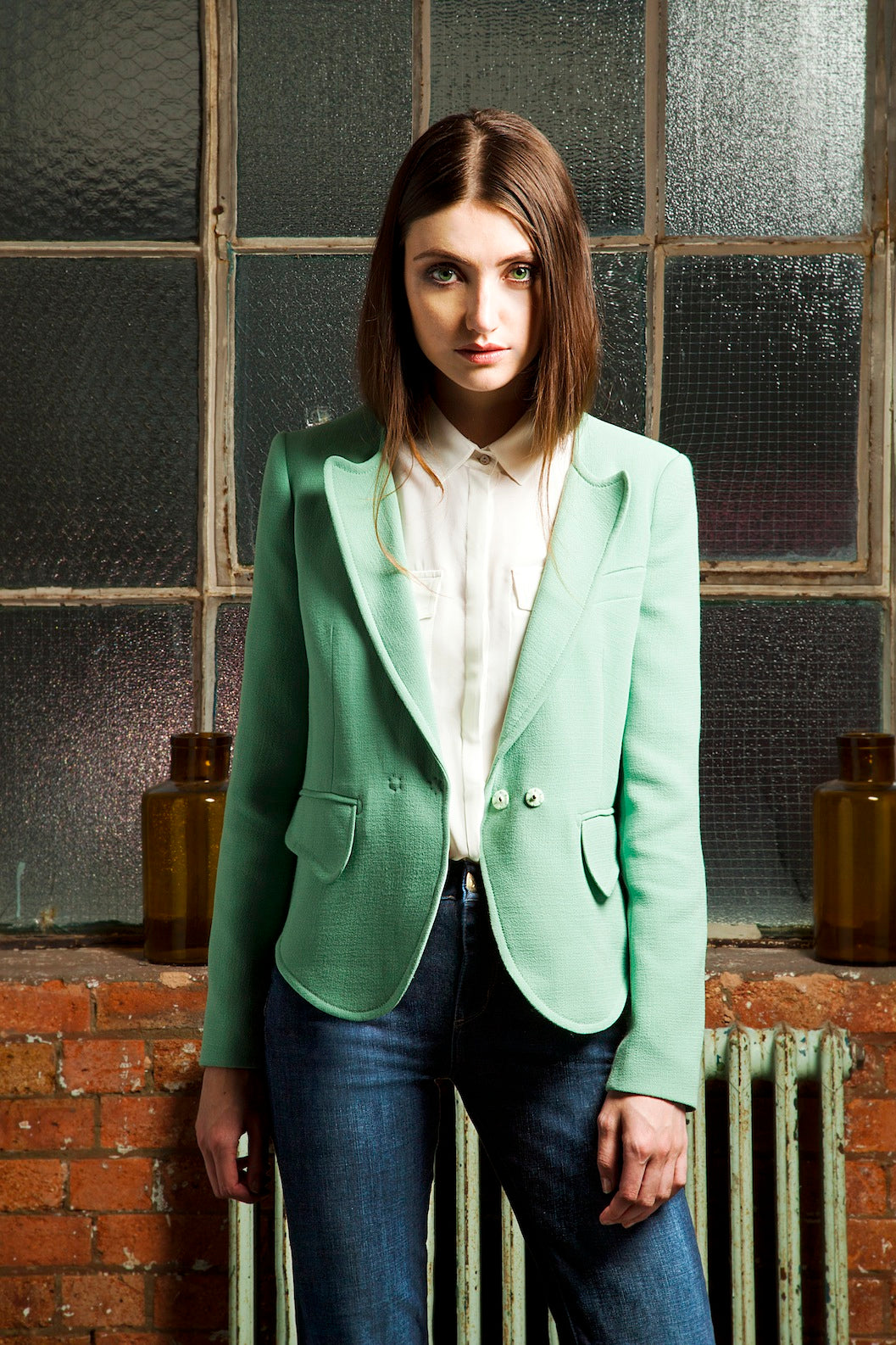 donna ida, london fashion, london style, green blazer, jacket, white shirt, button up shirt, collar, blue jeans, high waisted jeans, blue denim