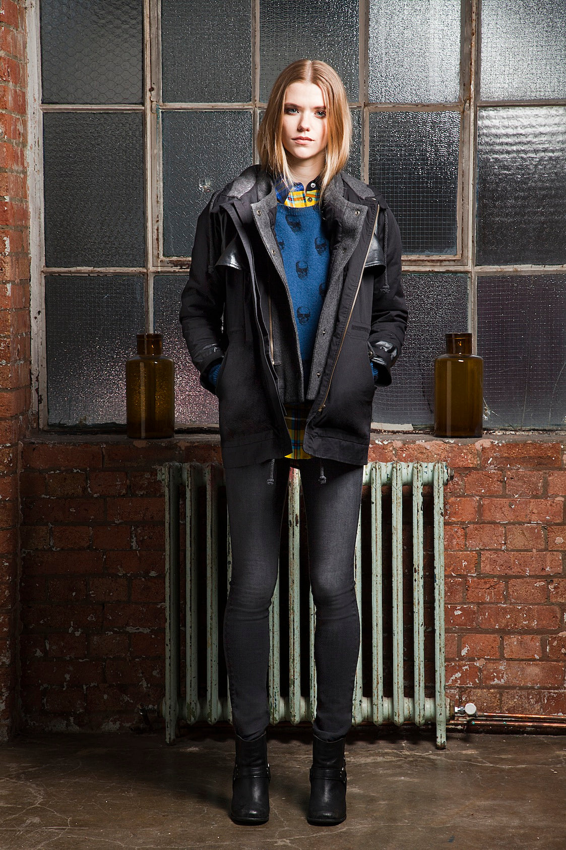 donna ida, london fashion, london style, grey skinny jeans, grey denim, skinny jeans, jumper, jersey, tartan shirt, jacket
