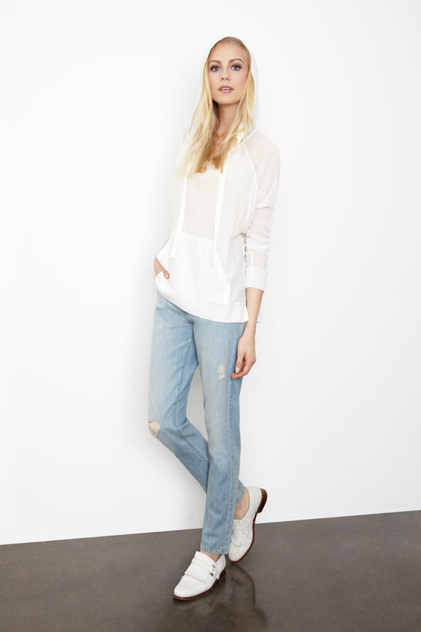 Donna Ida, Made Gold Pastie Boyfriend Dillion, SJobeck Pullover White, donnaida.com, blue jeans, boyfriend jeans, relaxed jeans, straight leg jeans, distressed jeans, ripped jeans, white sweater, Spring Summer, fashion, London, outfit