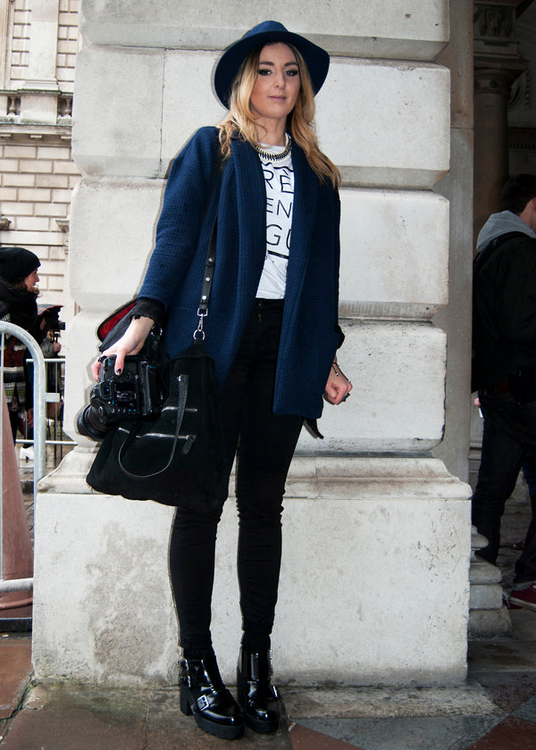 Molly, Photographer, Instagram & Twitter @mollymeganc, london fashion week street style, black skinny jeans, white tee, navy oversized jacket, navy hat, camera, blogger style, blogger fashion, heels