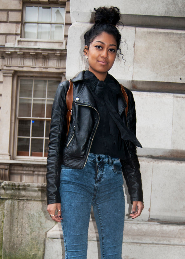 Kalise, Student, Instagram @kalise787, london fashion week, street style, blogger style, blogger fashion, high waisted jeans, blue jeans, skinny jeans, black blouse, leather jacket, backpack