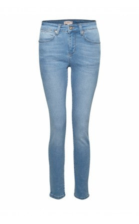 IDA mabel skinny jeans, blue skinny jeans, high waisted jeans, london fashion, blogger style