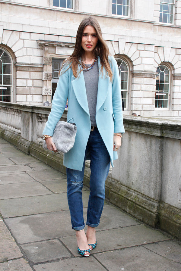 Best dressed at London Fashion Week AW14, pastal jacket, boyfriend jeans, ripped denim, distressed denim, blue jacket, street style, fashion week, london fashion, blogger style