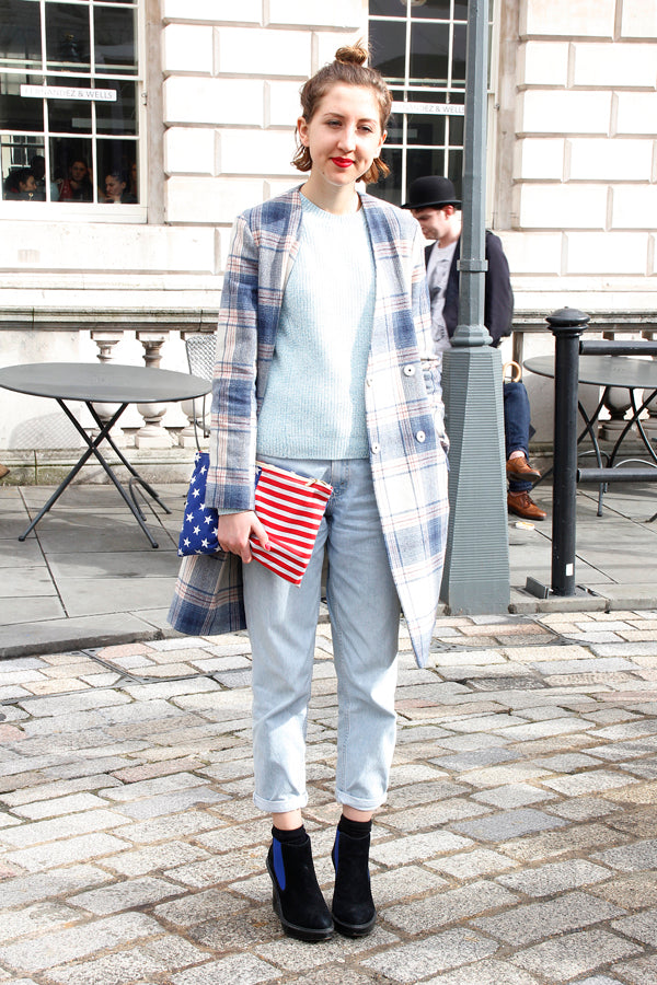 London fashion week street style, blogger style, blogger fashion, tartan jacket, knitwear, blue jumper, american flag clutch, boyfriend jeans, baggy denim, heels