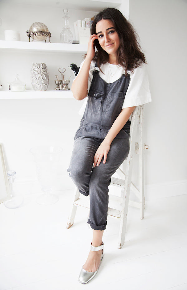 Nini from Phoenix Magazine wears Current Elliott dungarees donna ida
