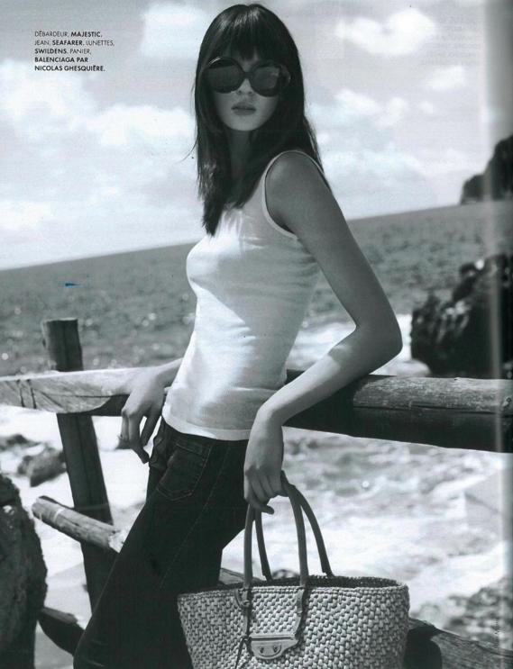 donna ida, london fashion, london style, sea farrer, flare jeans, white vest, sun glasses, model, beach