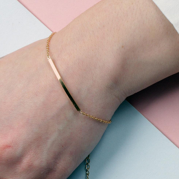 Bracelet - Curved Gold Bar Bracelet