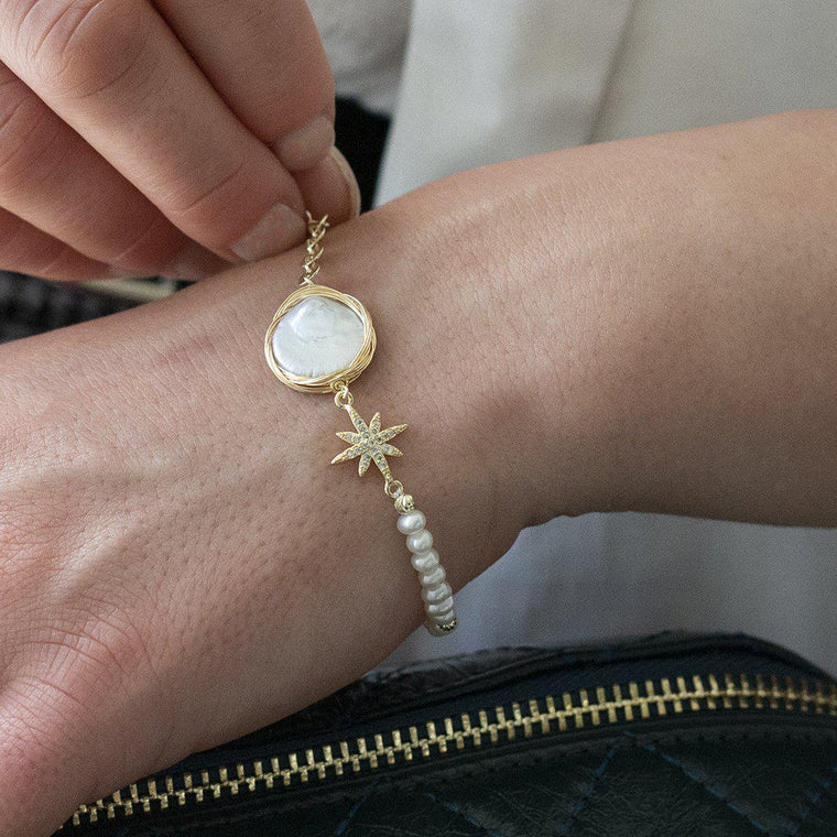 Button Pearl Gold Bracelet