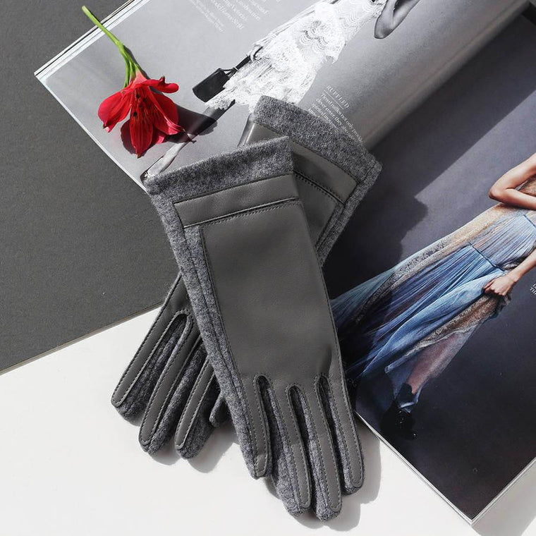 Merino Wool Gloves With Faux Leather Finish