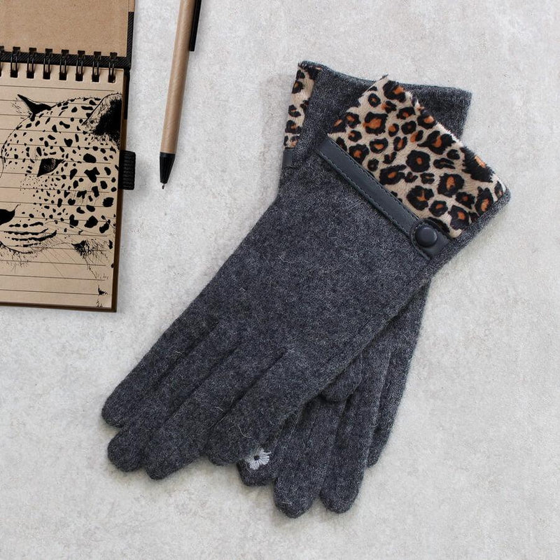 Gloves - Touch Screen Gloves With Animal Print Cuff