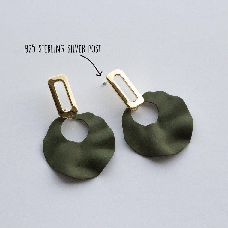 green-and-gold-bend-earrings