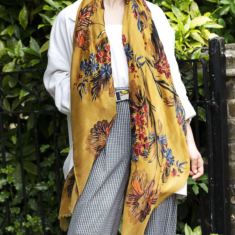 gold-effect-summer-florals-print-scarf