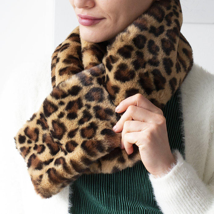 leopard-finish-crossover-scarf