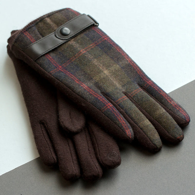 personalised-mens-merino-gloves-with-strap-detail