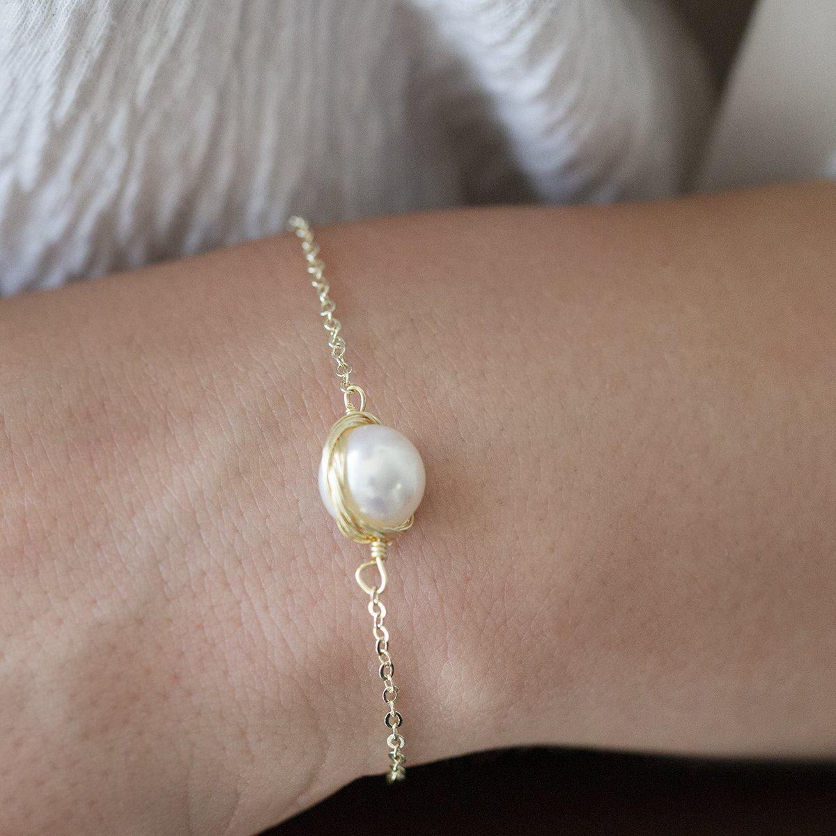 wire-wrapped-pearl-bracelet