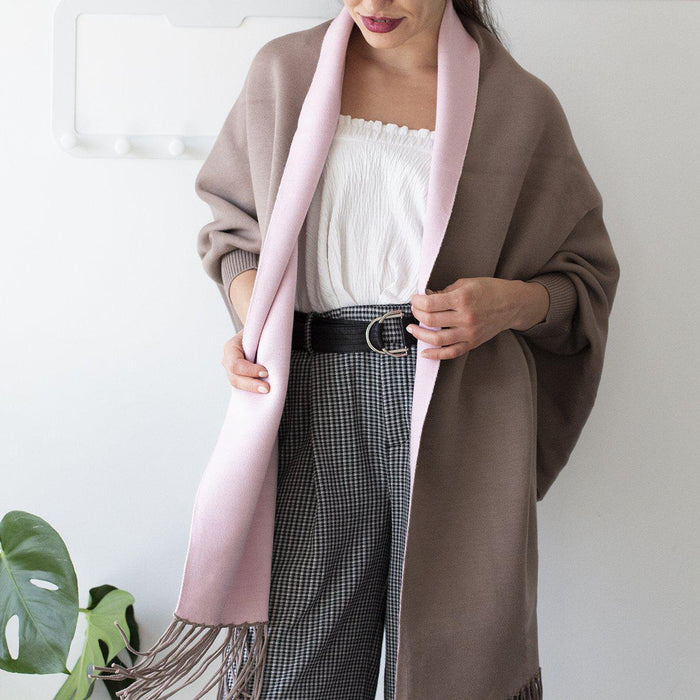 reversible-sleeved-blanket-wrap