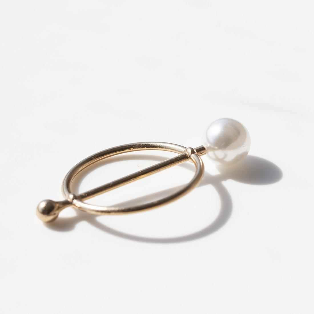 Circle and Pearl Scarf Buckle