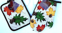 Autumn Fall Leaves Acorns 2 pc potholder oven mitt set