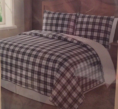 Cedar Creek Manchester Twin Microfiber Reverse to Sherpa Quilt Set Black White