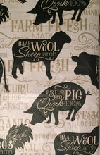 Elrene Farm Fresh Animals Vinyl Flannel Back Tablecloth 60 Round Rooster Pig Cow