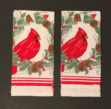 Cardinals Kitchen Linen Set Towels Potholder Oven Mitt Christmas Pine Cones