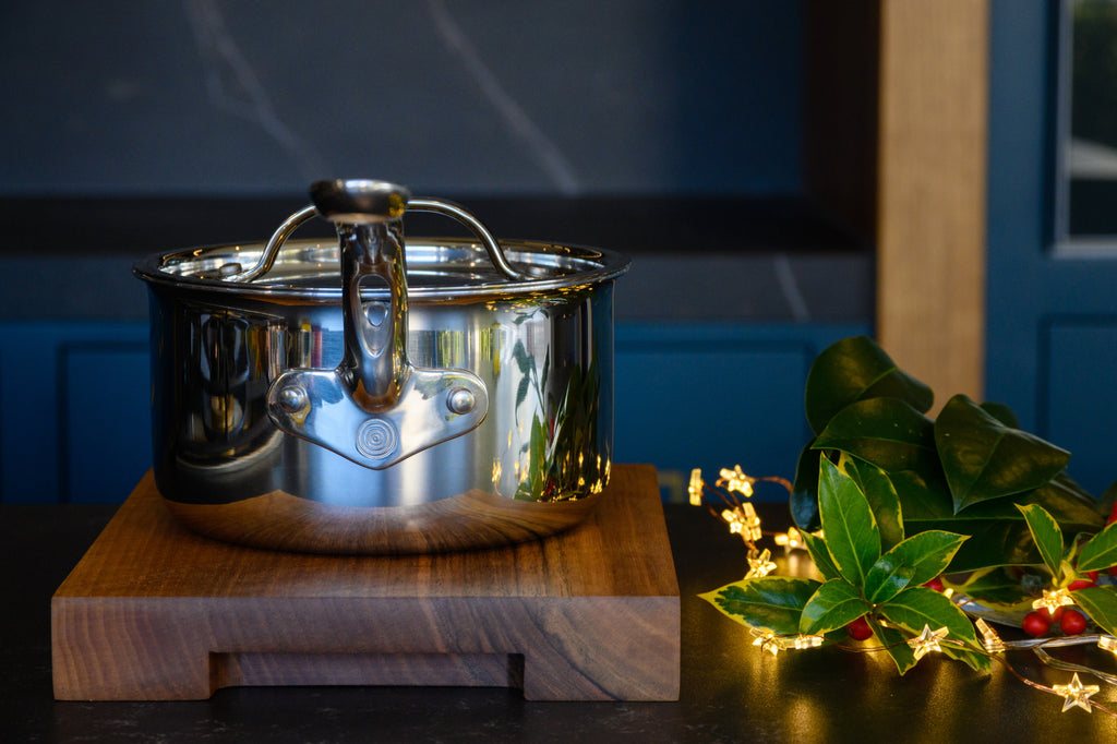 **SPECIAL BUY** 16cm Saucepan and Small Walnut Board