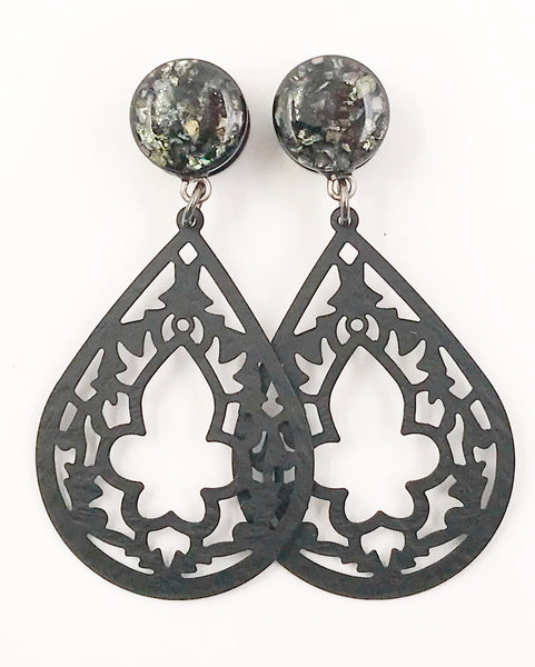 Black Shell Intricate Teardrop Dangle Plugs - Defiant Jewelry