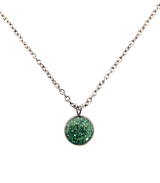 Emerald Crushed Glass Round Necklace