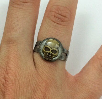 Skull Ring - Defiant Jewelry