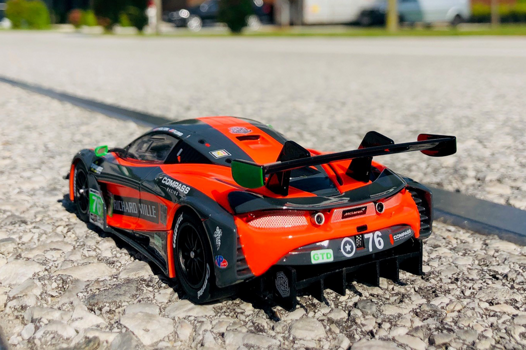 Carrera Digital 132,McLaren 720S gt3 (compass racing, no.76)