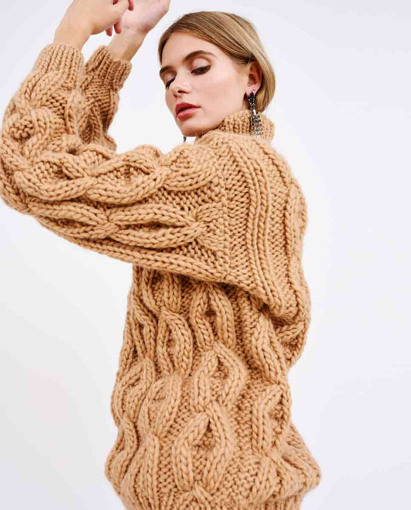 MIRSTORES Oversized Rhomb sweater Sand lifted-DIVERSE