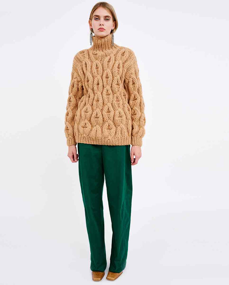MIRSTORES Oversized Rhomb sweater Sand lookbook-DIVERSE