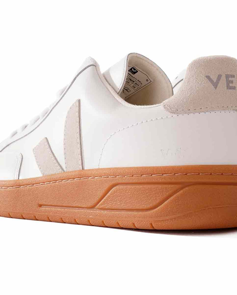 VEJA V-12 trainer white natural sole back-Diverse
