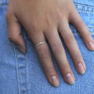 Model wearing sterling silver chain ring with 3mm sterling silver bright bead ball - MaeMae Jewelry