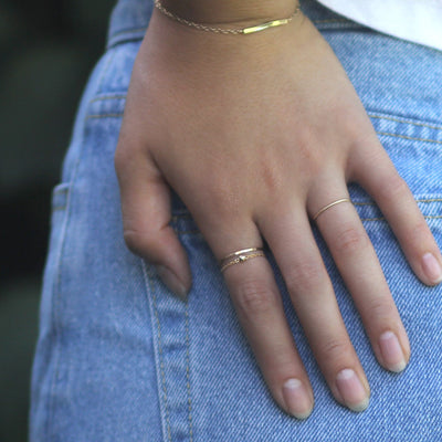 Model wearing 14k gold filled chain ring with 3mm 14k gold filled bright bead ball - MaeMae Jewelry