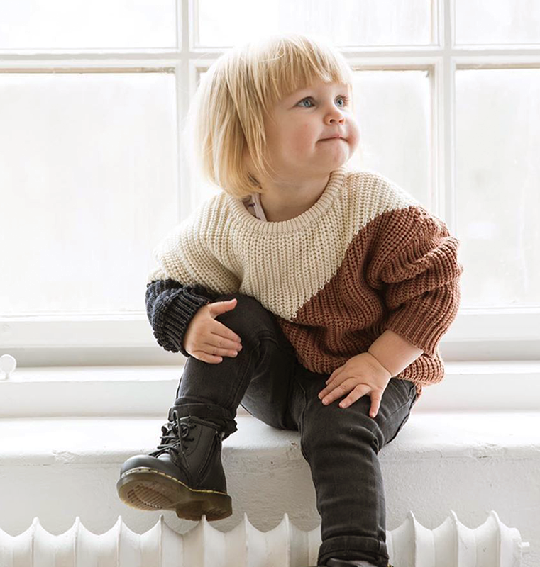Shop babies clothing online in Vancouver. From babysuits to baby dresses and even shoes, you can find them on our online store.