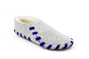 This indoor cozy shoes will keep your bare feet warm and stylish even at home! Hand craft style wool felted shoes with furry insulation inside, and put together with color twill lace.