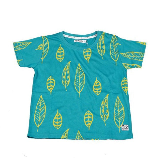 Doodle Do fun turquoise color t-shirt made in GOTS-certified organic cotton fabric. Yellow contrast feather leaf print design.