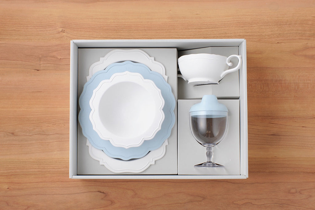 Reale Dinnerware Set/ 5 Items/ Baby Blue