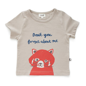 Don't you forget about me! 100% organic pima cotton t-shirt with printed animals from brand Oeuf, an unforgettable everyday piece.
