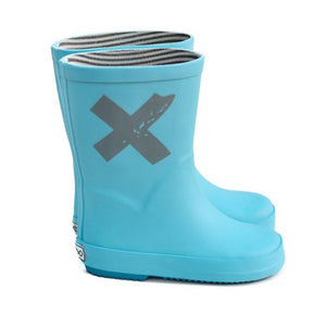 boxbo blue rainboots with grey cross print on the side. Lined with grey and white striped fabric on the inside.