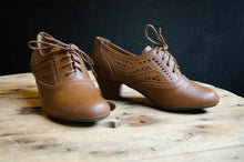 Eleanor Vintage Lace-Up Shoes