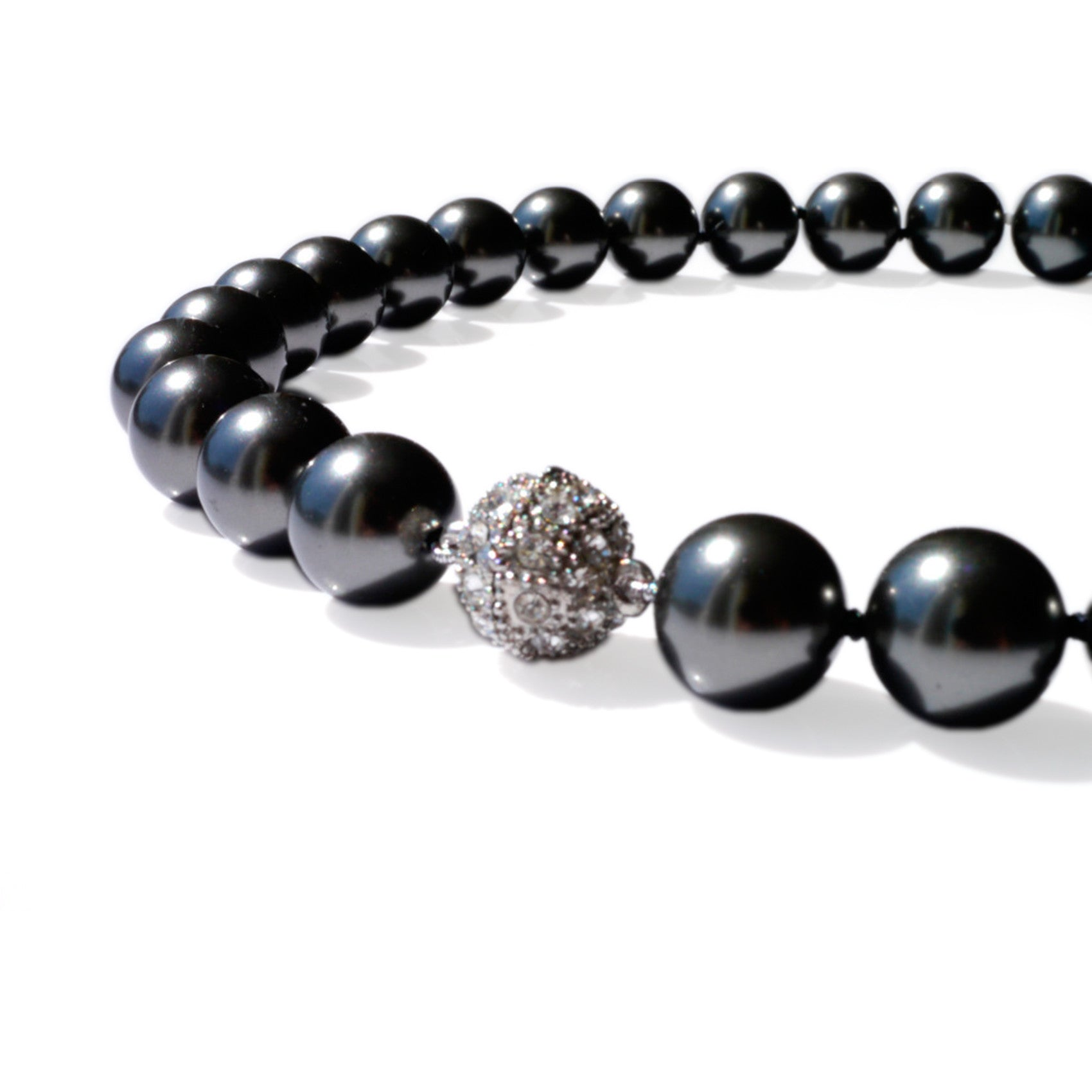Pearls Girls: Oversized Pearl Necklace (Anthracite)