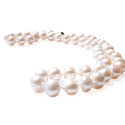 Silver Linings: Lustrously Little Pearl Necklace (Satin White)