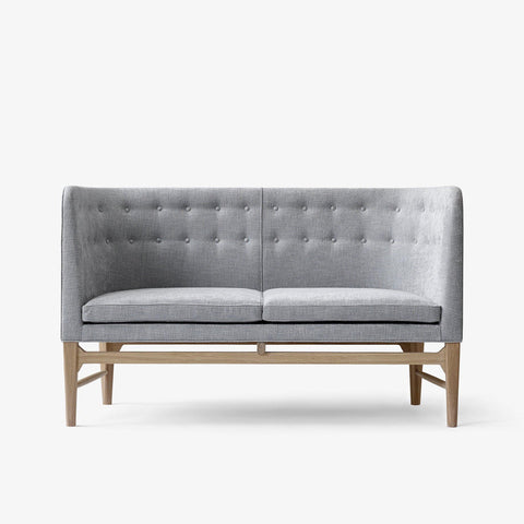 Sofa Mayor AJ6, different wood finishes and fabrics - Nordic Design Home