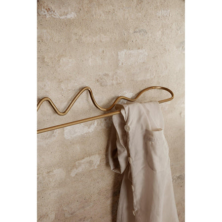 Towel rail Curvature