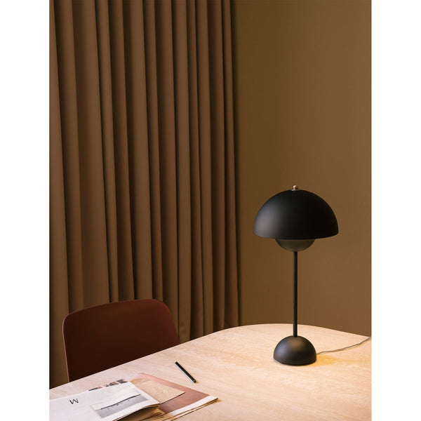 Table lamp Flowerpot VP3, different colors