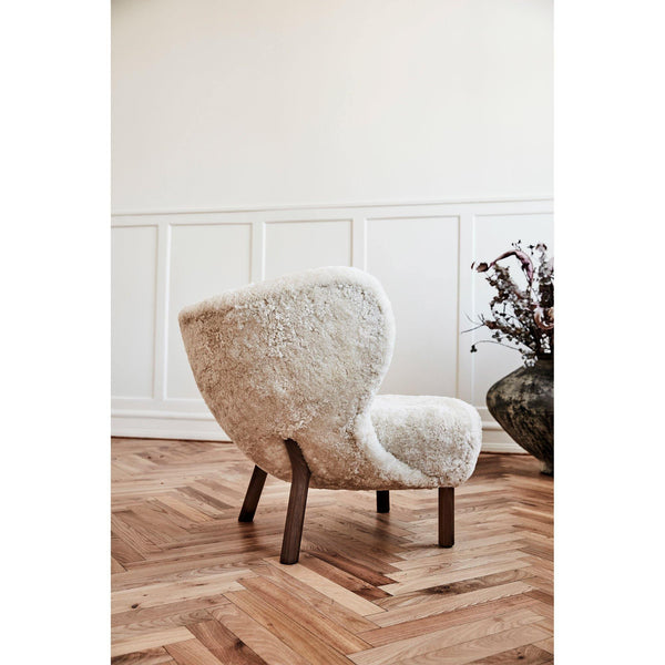 Armchair Little Petra VB1, various sheepskins and wood finishes